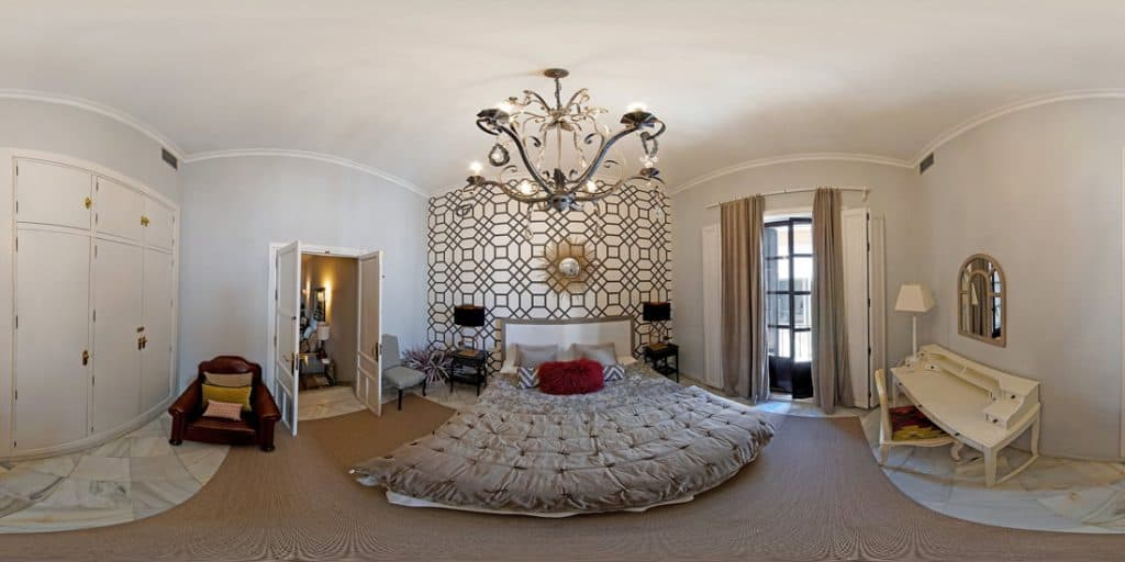 360 image of bedroom