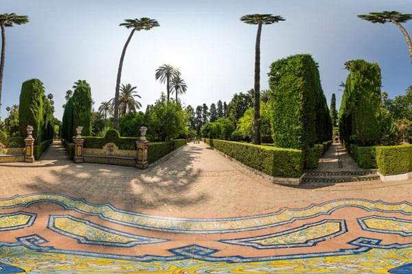 360 photography can showcase exteriors and interiors